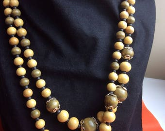Vintage - Wooden beaded necklace
