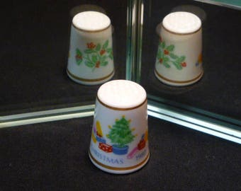 Christmas 1980 Royal Worcester Fine Bone China Thimble