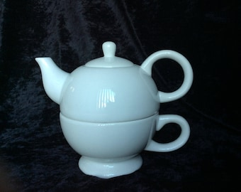 Tea Kettle and Cup Set