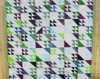 Flying Geese Quilt; Quilted Throw, Lap Quilt