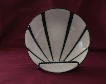 White sunburst hand crafted glass bowl