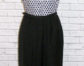 Size 12 vintage 60s sleeveless midi dress pleat skirt black/white pattern (IB91)