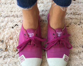 Vintage CHANEL CC Logos Fuchsia Pink Fabric Sneakers Trainers Tennis shoes 39 us 7.5 - 8