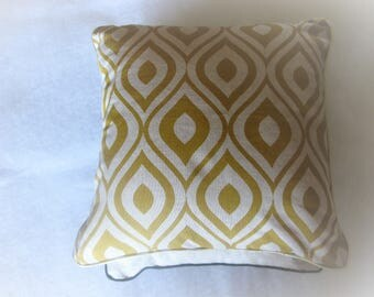 "Cushion ""seventies"", yellow and beige cotton, linen, 38 x 38"