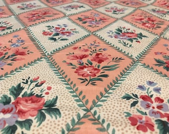 """Vintage -1989 Bloomcraft """"Helena""""  lovely pink and white diamomds edged in leaves with various florals on medium light weight cotton"""