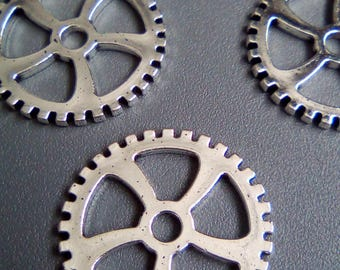 5 charm gear wheel steampunk silver 30mm
