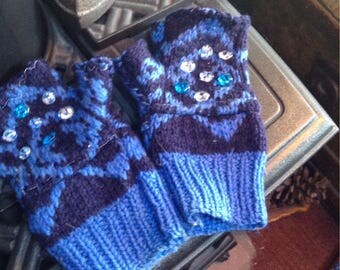 Chunky fingerless  sweater gloves with vintage glass buttons