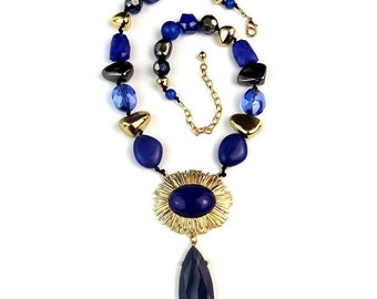 Gold-tone multicolor glass beaded necklace and stretch bracelet
