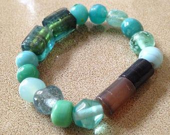 Teal glass beaded stretchy bracelet