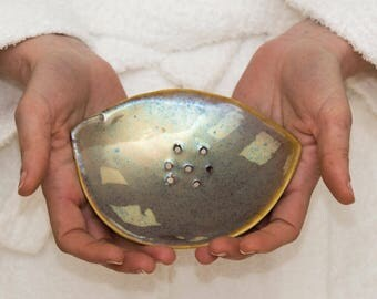 Ceramic soap dish,Bathroom vanity,soap holder,vanity decor,metalic glaze bowl,bathroom accessories,gift for her,valentines day gift idea