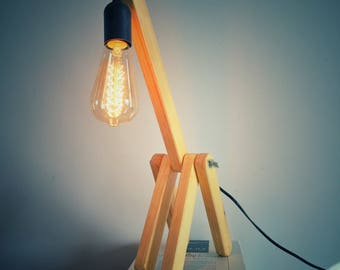 Giraffe lamp wood recycling