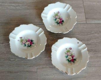 Set of 3 Vintage Ashtrays / Floral Ashtrays / Ashtray / Made in Japan / Floral Design / Flowers / Gold Rimmed