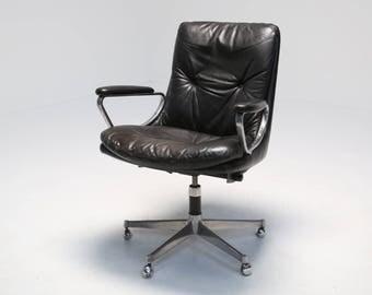 "Mid-Century Vintage Strassle ""Gentiliana"" Swivel Chair"