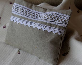 Pillow of linen and lace filled with about 180 grams flowers lavandin grosso Provence 25 cm x 19 cm