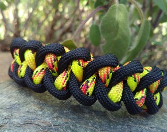 Piranha survival Paracord Bracelet