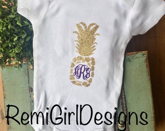 Pineapple monogram, baby pineapple, baby monogram, going home outtfit, new baby gift, custom baby outfit, glitter monogram, hospital outfit