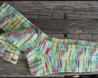 "socks women size UK 6,5-7,5 US 8,5-9,5 ""wild beach"" ∞ hand knit"