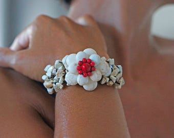 Flower Coral white and Red braided woman bracelet