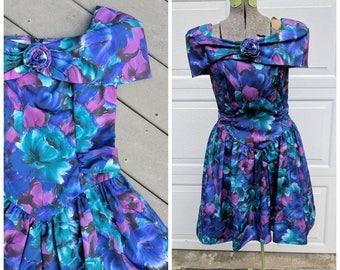 1980's Floral Party Dress w Wide Neckline, L
