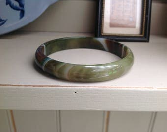 Vintage Green semi precious stone glass bangle 1980s