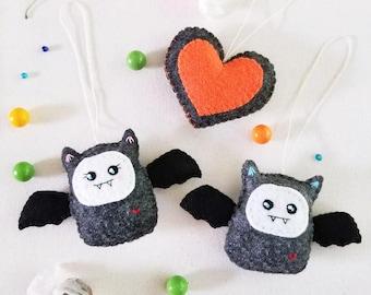 Set of 3 Bat Couple Ornament