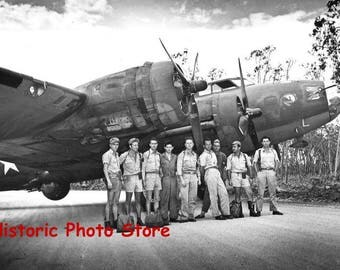 Reproduction photo of the a B-17E Flying Fortress & It's Crew