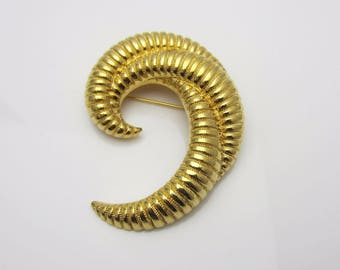 Vintage Costume Jewellery Monet Signed Copyright Modernist Brooch Pin Ribbed Triple Curl Design 1960s Gold Tone Metal