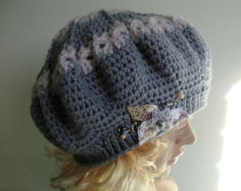 Winter hat. Women wool hat, grey wool beret or tam, pure wool with motif.