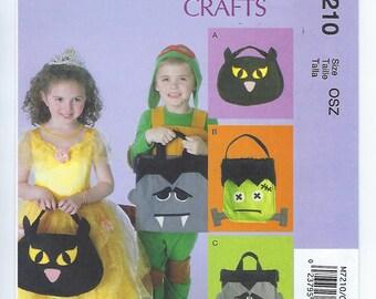 McCalls 7210 - Halloween Treat Bags