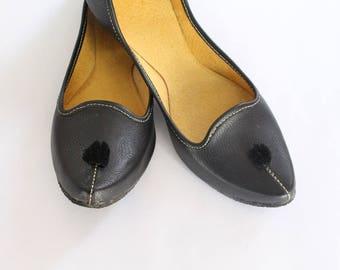 Indian Flat Shoes/Women Shoes/Punjabi Jutti/Black Flat Shoes/Ballet Flats/Regular Wear Shoes/Handmade Bridal Khussa Women Sandals