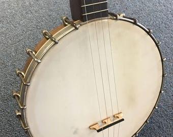1924/25 Vega Style F Tenor Banjo w/case