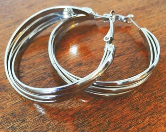 Preloved silver hoop earrings with lever clasp