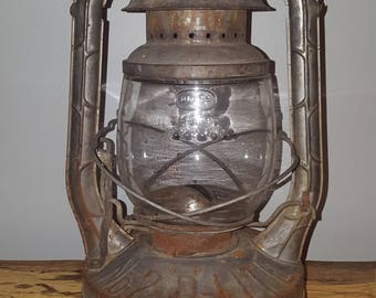 Antique Dietz Barn Lantern D-lite no. 2 kerosene