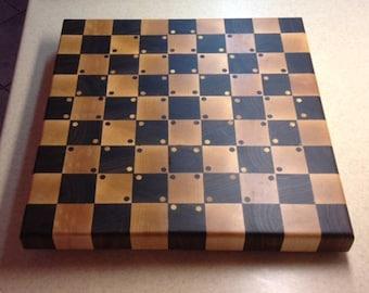 Optical illusion end grain cutting board