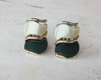 Vintage Signed STAR Dark Green Light Green Clip Earrings with Gold Tone