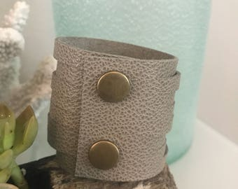Sea Gray Slit Leather Cuff
