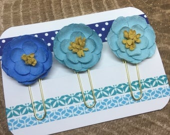 Paper flowers: Blue ombre trio paperclips   Planner Accessories   Bible Journaling   Paper Clip   Bible Bookmark
