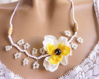 White Flower necklace narcissus