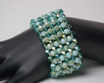 Reverse Elegant Beaded Glass Bracelet