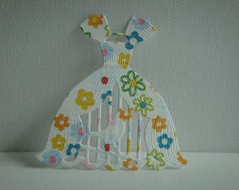 Cutout dress paper flowers for creating bird cage