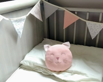 Children's room decoration Bunting pillow pink