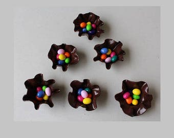 6 cups chocolate Easter eggs