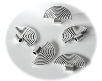 5 beads and BAILS fan shape rounded silver metal