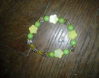 Ethnic flowers of yellow pearls and silver Butterfly charm bracelet