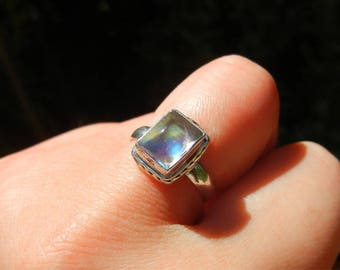 White (Moonstone) in solid 925 sterling silver Labradorite ring