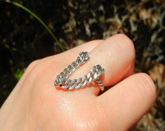 Twisted ring and solid 925 sterling silver chain