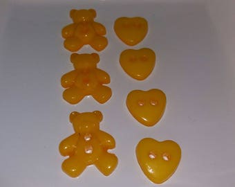 set of 7 buttons, hearts and bears yellow
