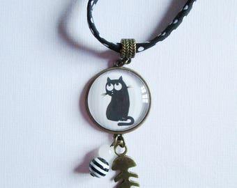 """Cat NetB"" bronze cabochon necklace, costume jewelry"