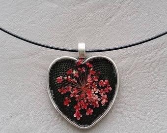Choker + Heart resin pendant dried flower Pink/White