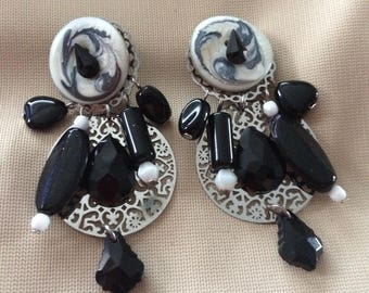 black and white beautiful clip earrings decorated with sequin black and white